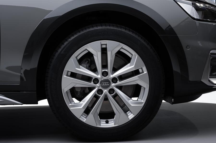 2019 Audi A4 Avant press packet - wheel