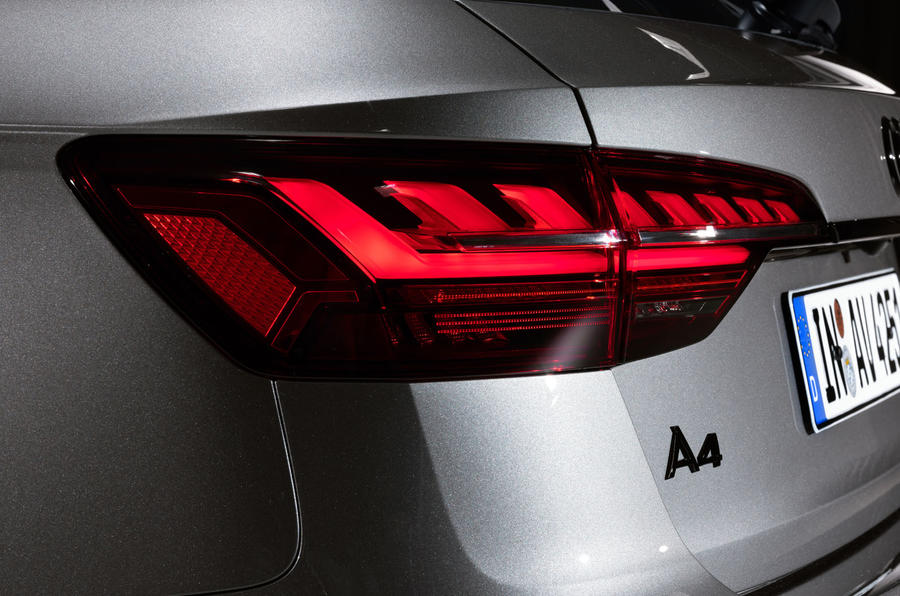 2019 Audi A4 Avant press packet - light