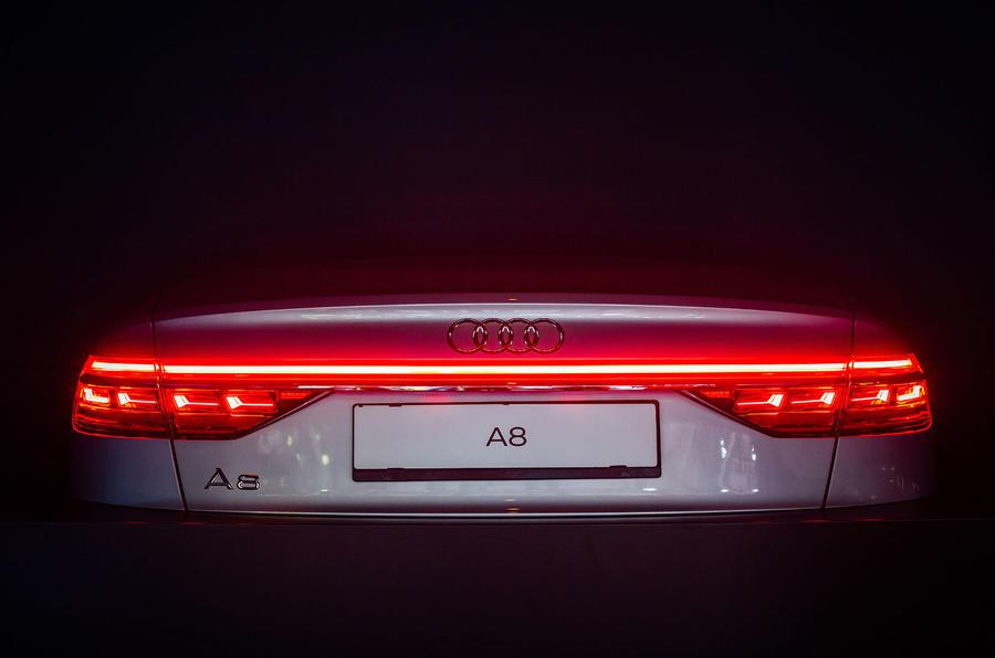 2017 - [Audi] A8 [D5] - Page 11 A8924