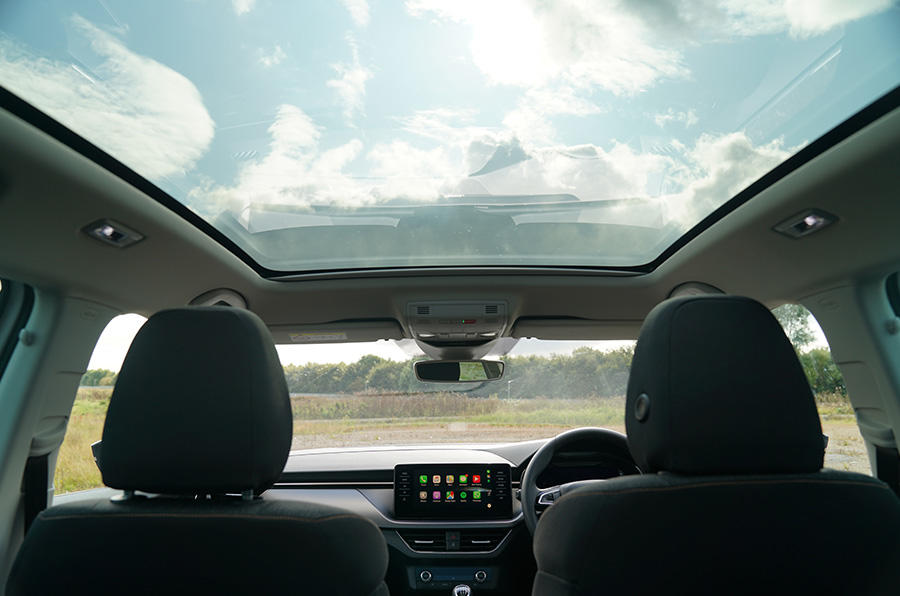 An optional full-length panoramic roof brings even more light into the cabin and gives you a greater sense of your surroundings