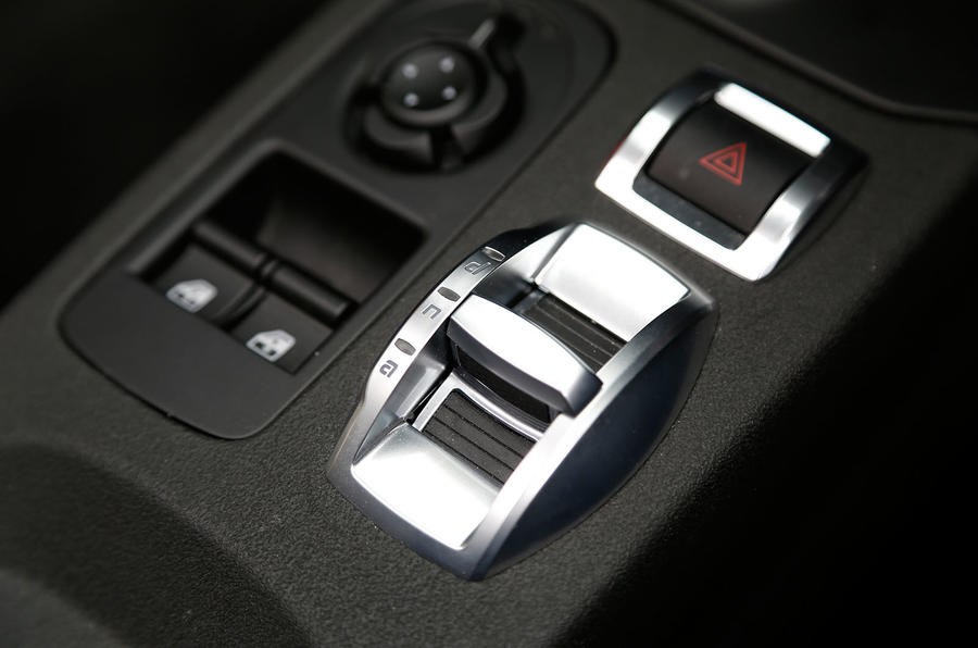 Alfa Romeo dynamic controls