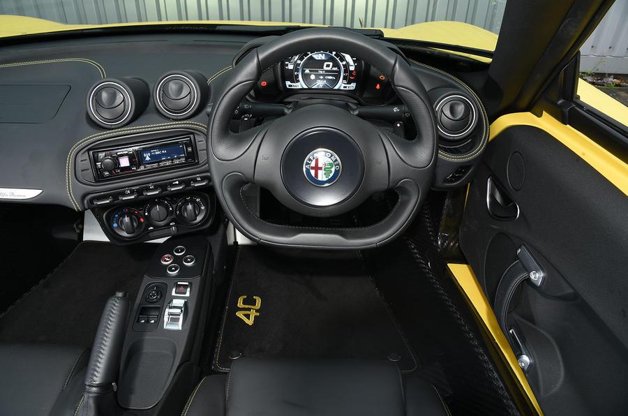 Alfa Romeo 4C Spider dashboard
