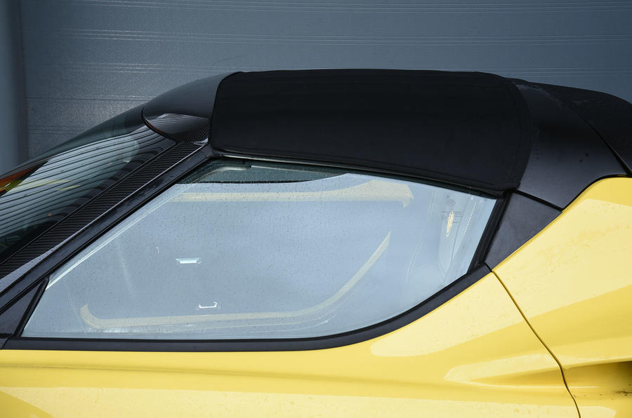 Alfa Romeo 4C Spider roof up