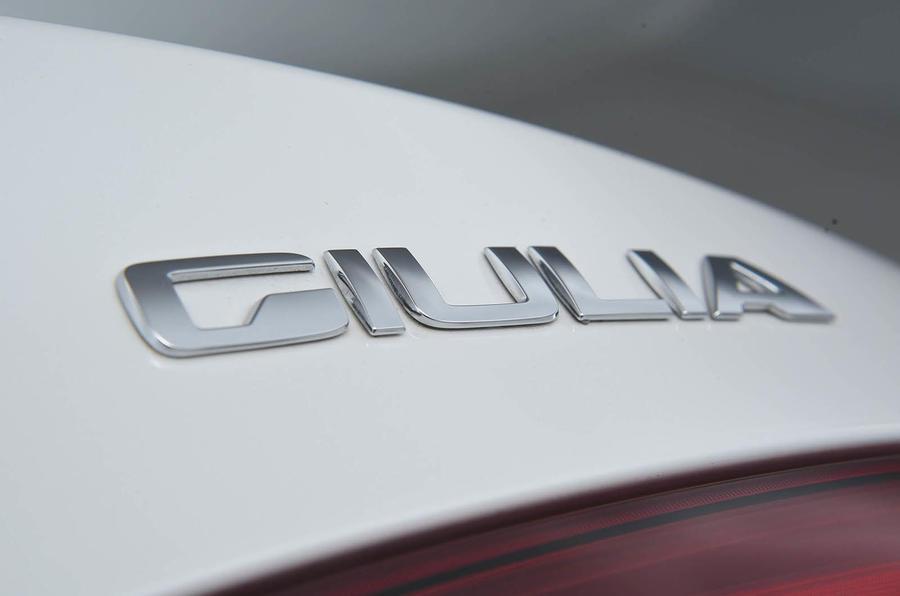 Alfa Romeo Giulia 2.2d 180 Super