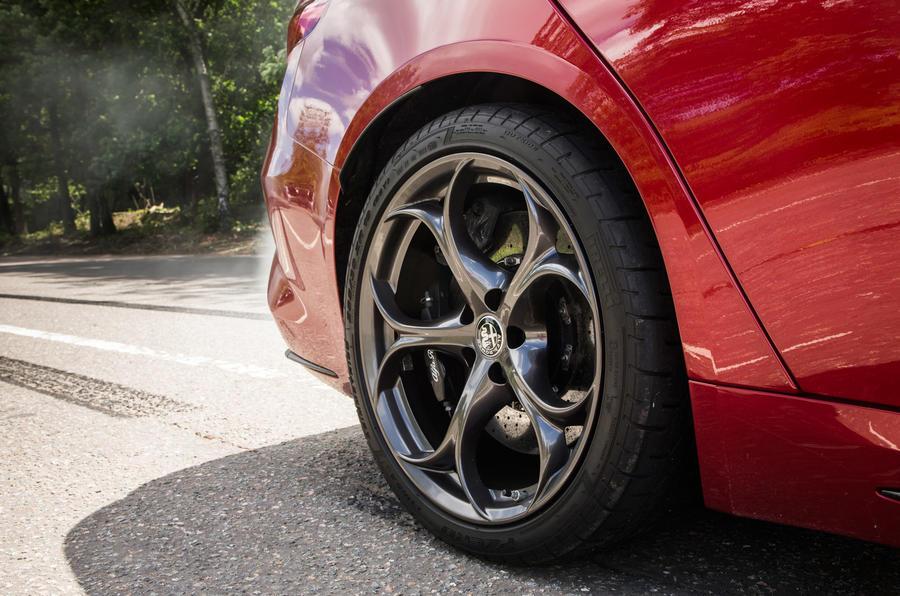 19in Alfa Romeo Giulia Quadrifoglio alloy wheels