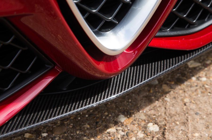 Alfa Romeo Giulia Quadrifoglio front splitter
