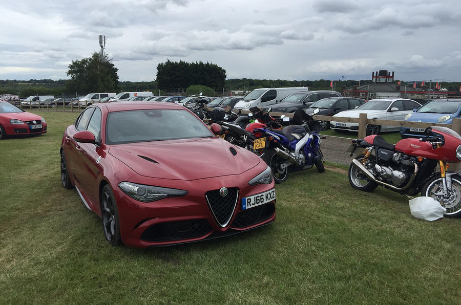 Alfa Romeo Giulia Quadrifoglio super bikes