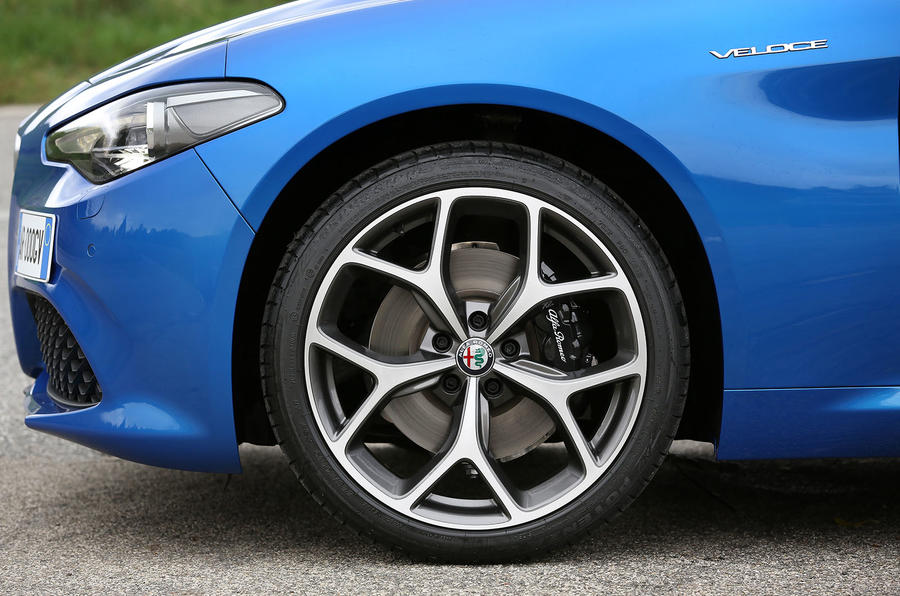 Alfa Romeo Giulia Veloce alloy wheels