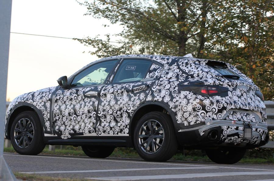 Alfa Romeo Stelvio - new spy pictures of 'driver's SUV'