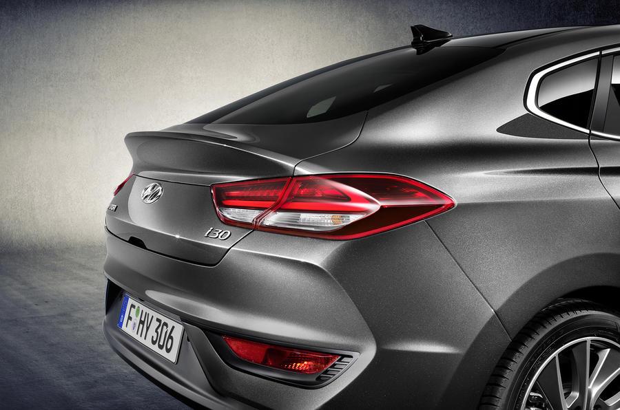 Hyundai i30 Fastback unveiled ahead of 2018 launch