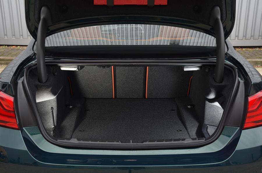 Alpina B4 S boot space