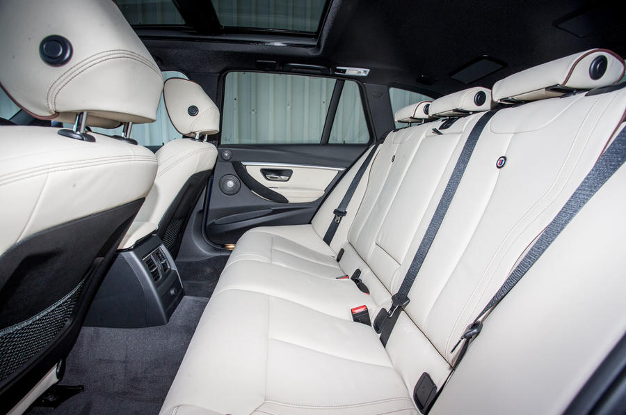 Alpina D3 Touring rear seats