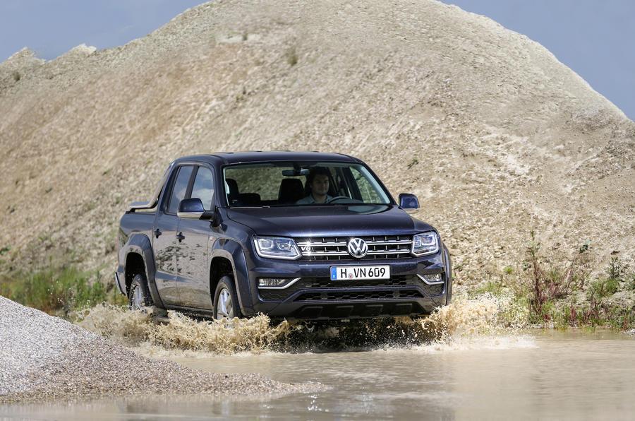 Volkswagen Amarok wading