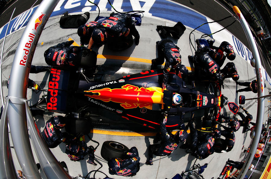 Red Bull pit stop