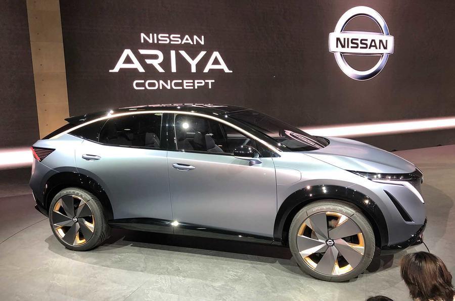 Nissan Ariya side
