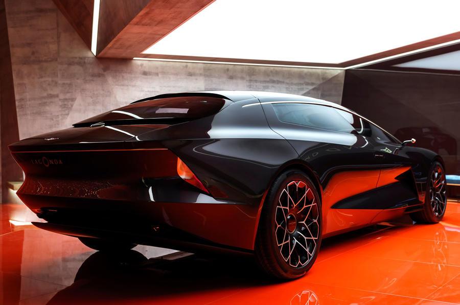 ... Aston Martin Lagonda ...