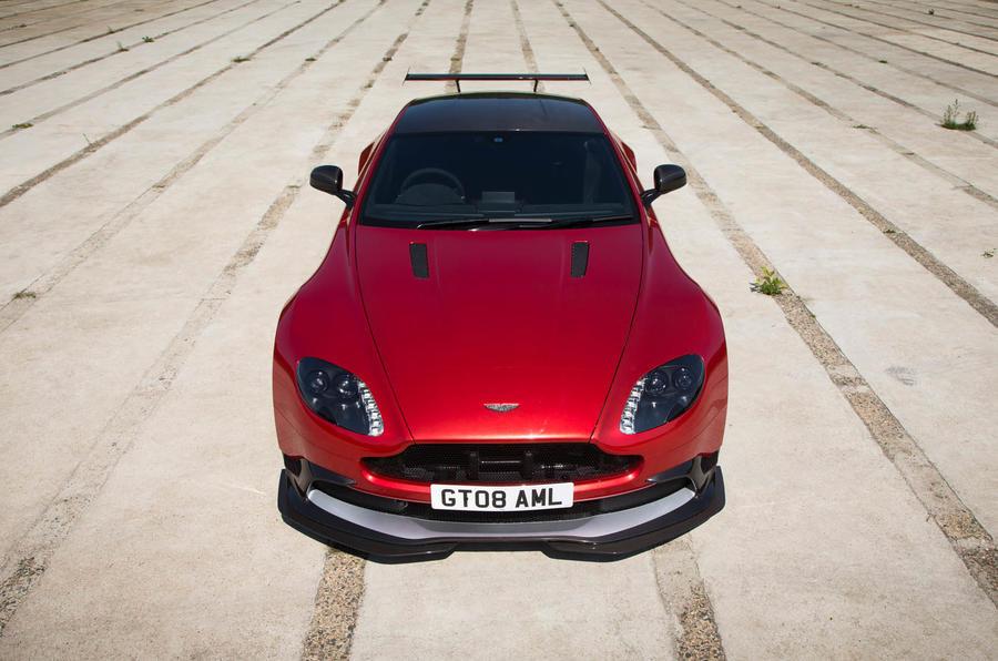 4.5 star Aston Martin Vantage GT8