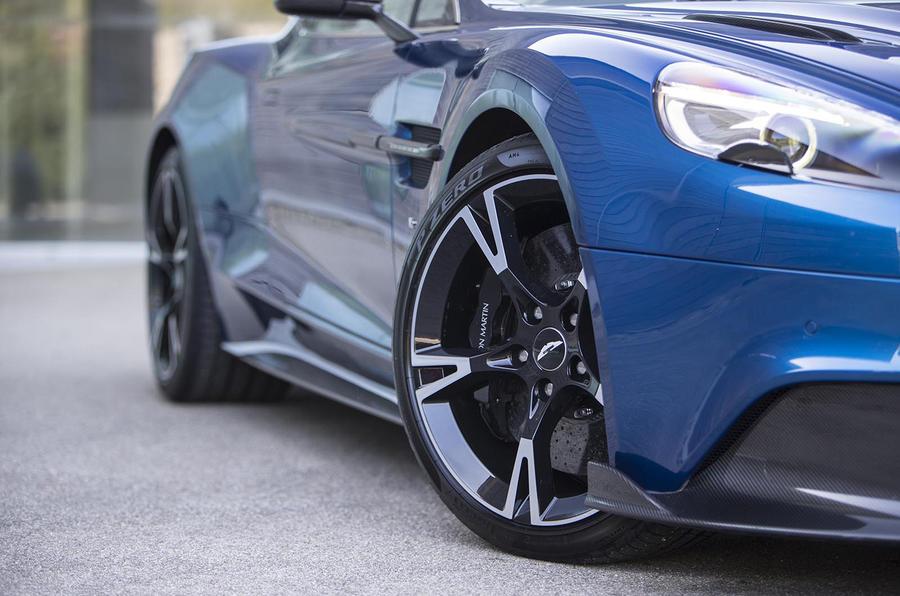Aston Martin Vanquish S alloy wheels