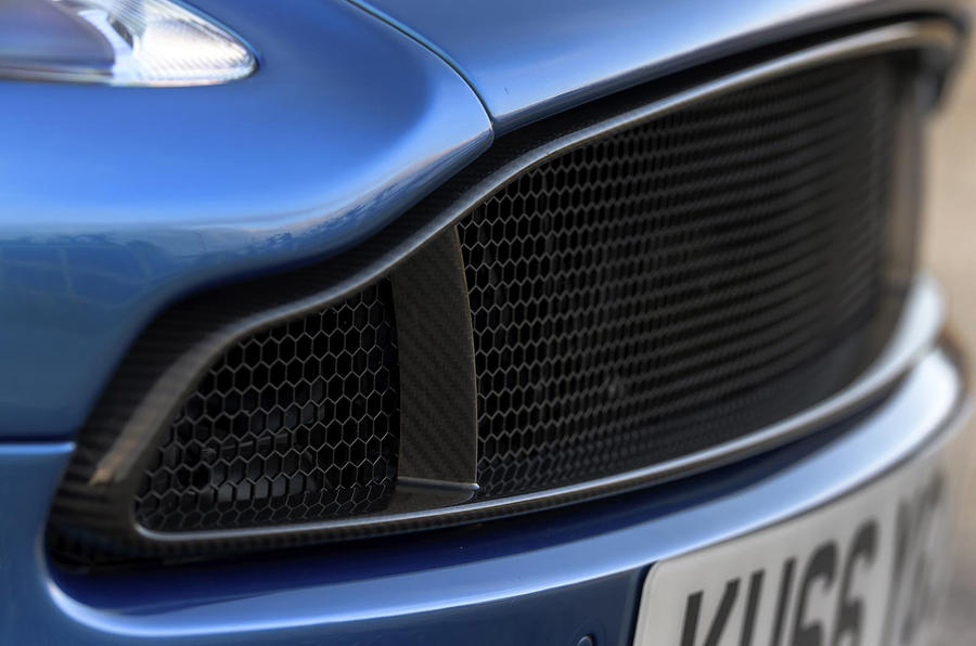 Aston Martin Vanquish S front grille