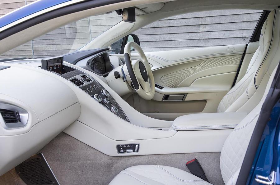 Aston Martin Vanquish S interior