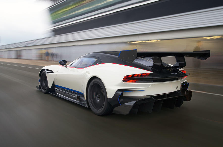 Aston Martin Vulcan Flat Out Silverstone on auto car