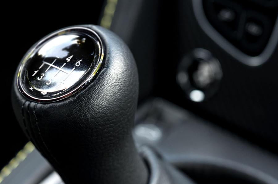 Aston Martin V12 Vantage S manual gearbox