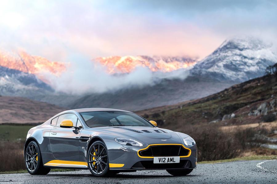 4 star Aston Martin V12 Vantage S