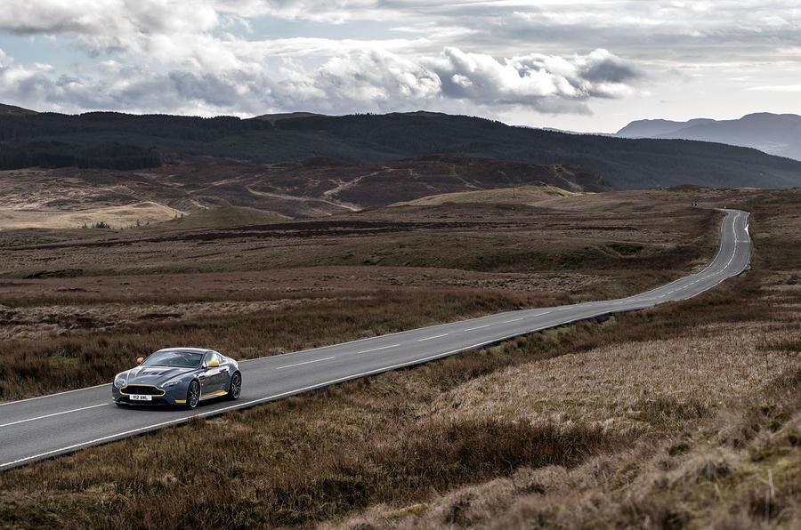1665kg Aston Martin V12 Vantage S