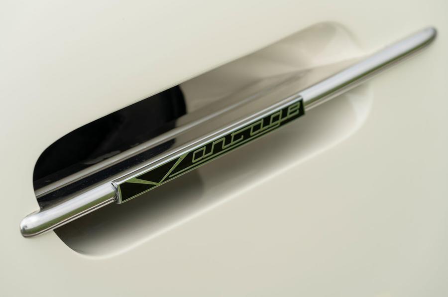 Aston Martin Works electric DB6 Volante - vent