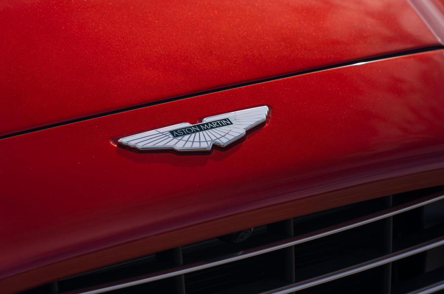 Aston Martin DBX 20