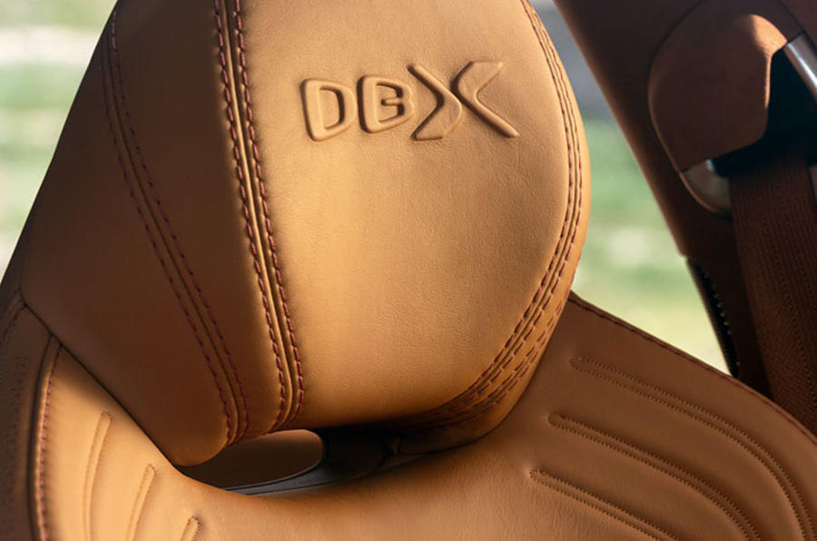 Aston Martin DBX 24