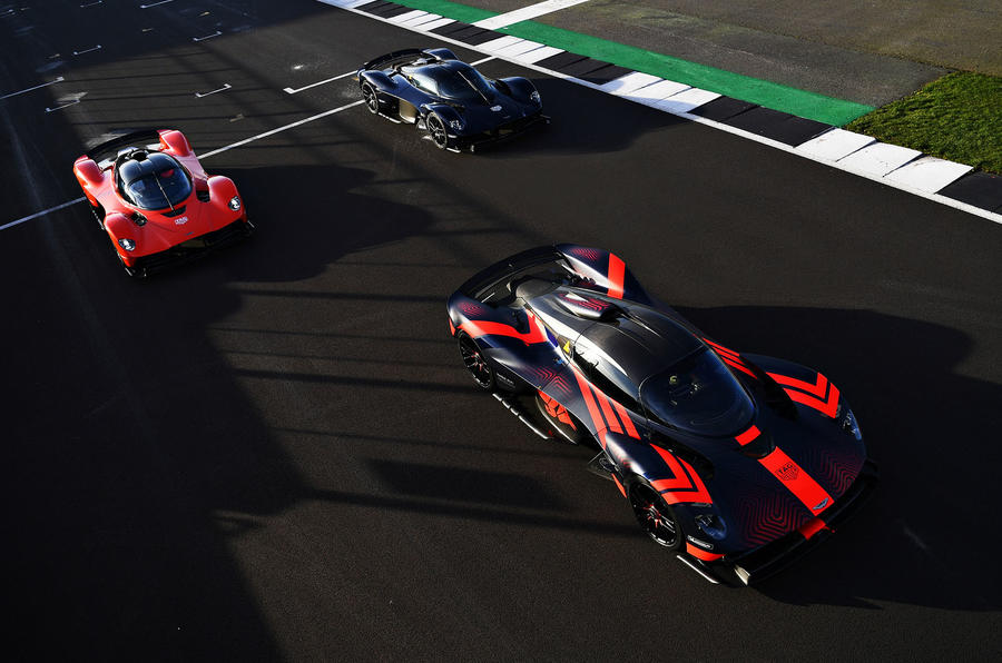 Aston Martin Valkyrie driven by Red Bull F1 drivers - grid
