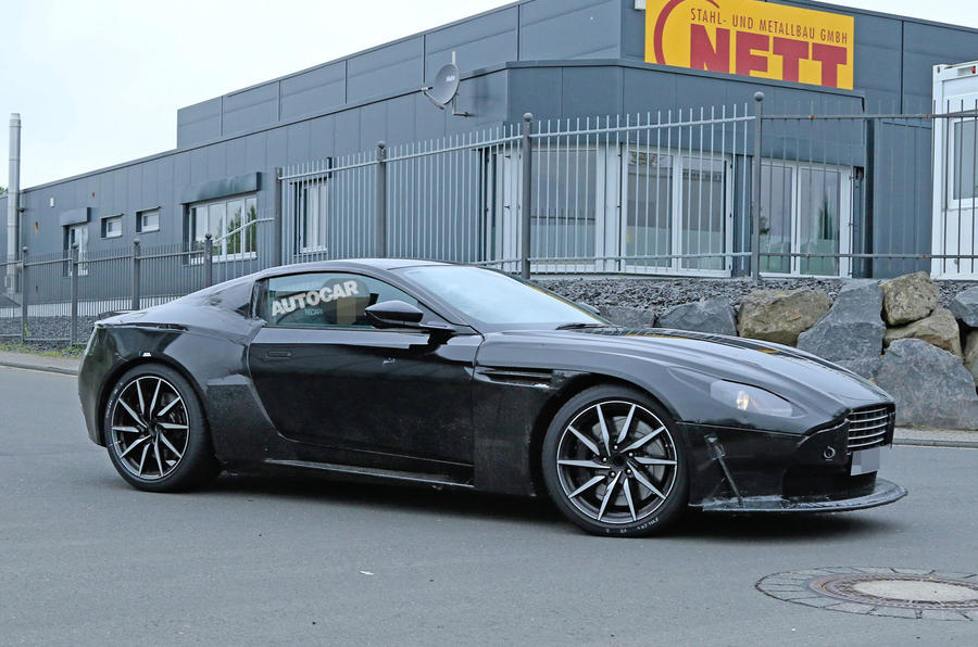 2018 aston martin vantage spotted testing in britain autocar. Black Bedroom Furniture Sets. Home Design Ideas
