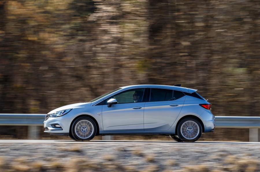 2016 Vauxhall Astra 1 6i Turbo 200 Elite Nav review review
