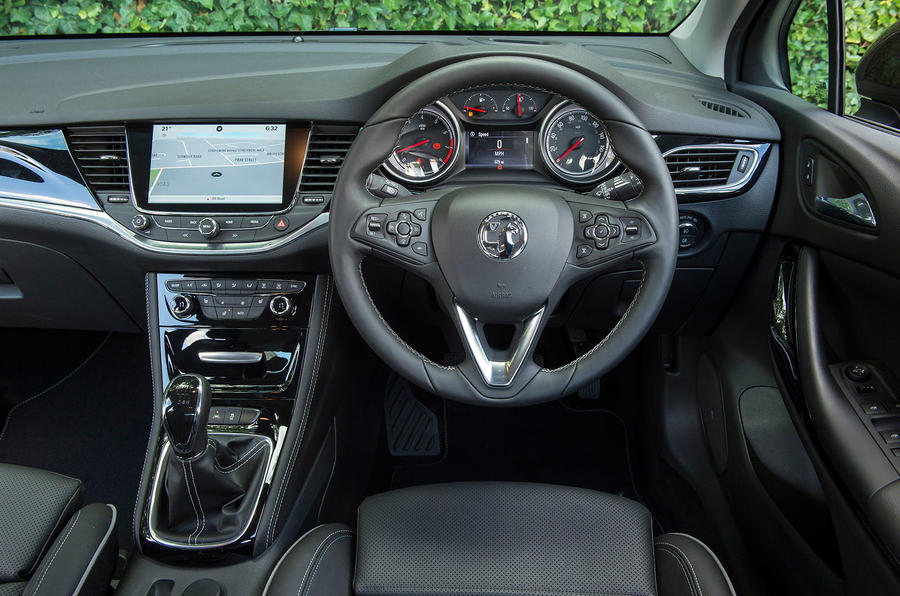 2015 Vauxhall Astra SRi Nav 1.4 150 Turbo review review ...