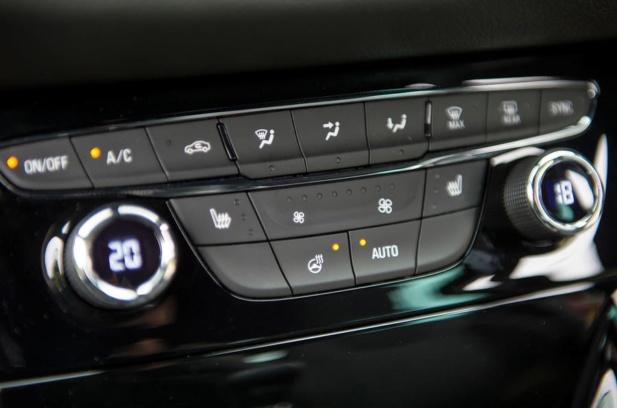Vauxhall Astra climate control