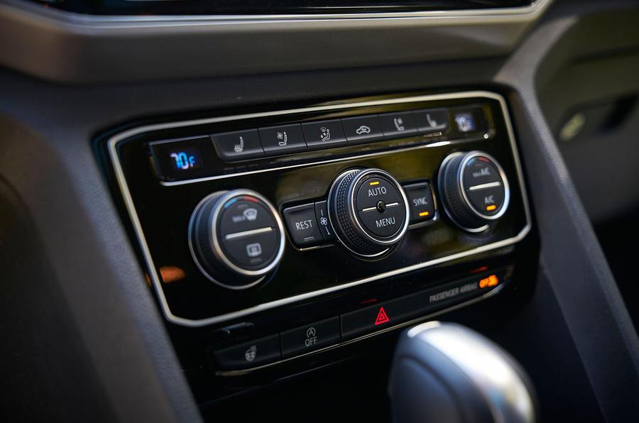 Volkswagen Atlas climate controls