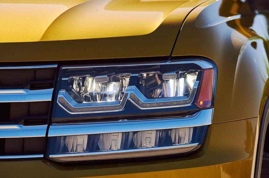 Volkswagen Atlas headlights