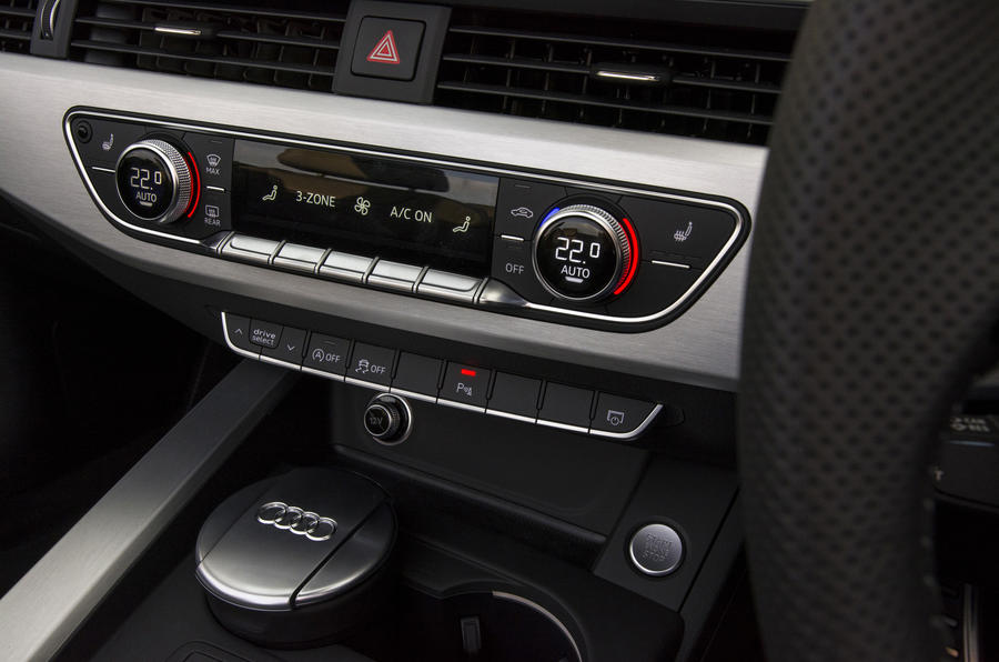 Audi A5 Cabriolet centre console