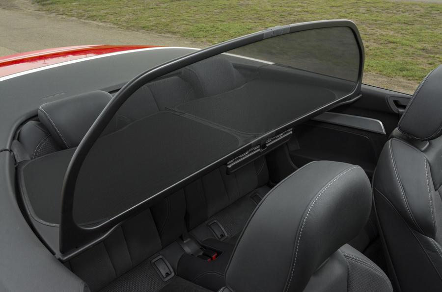 Audi A5 Cabriolet wind deflector