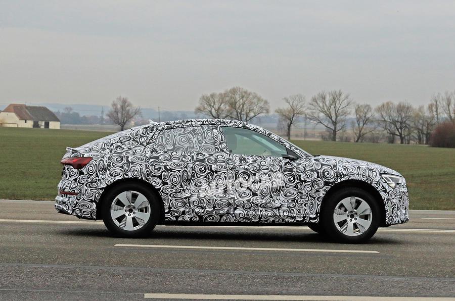 Audi E-tron Sportback 2020 spies - side