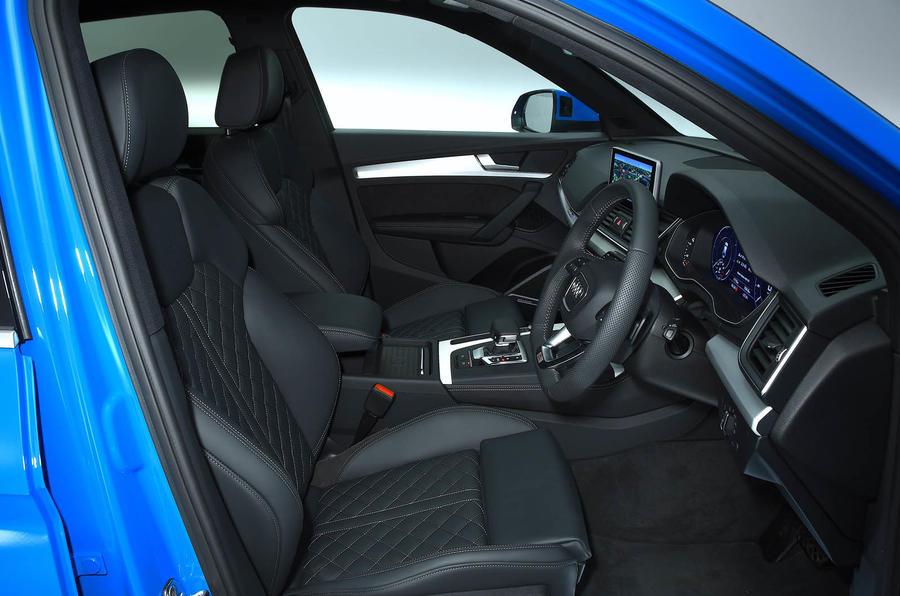 Audi Q5 55 TFSIe quattro front cabin