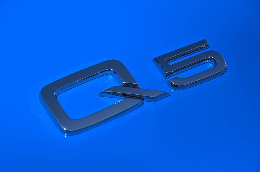 Audi Q5 55 TFSIe quattro badge