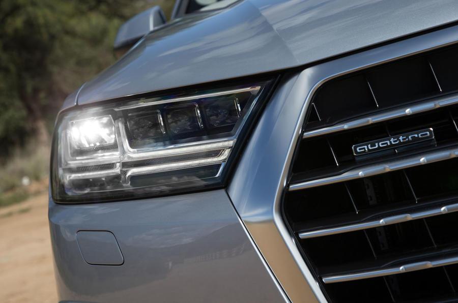 Audi Q7 LED headlights