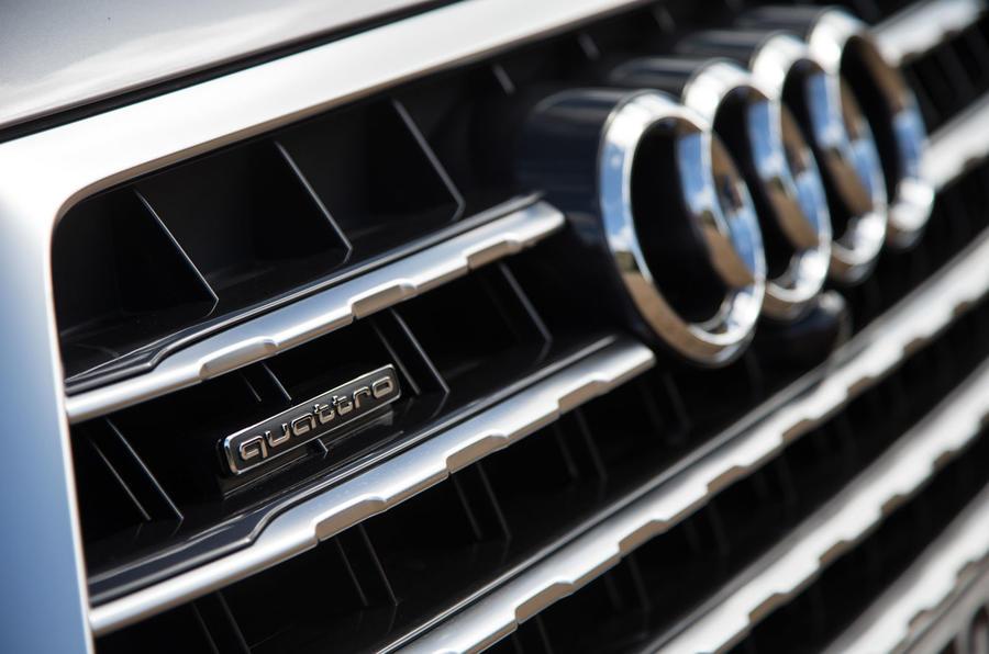 Audi Q7 quattro badging