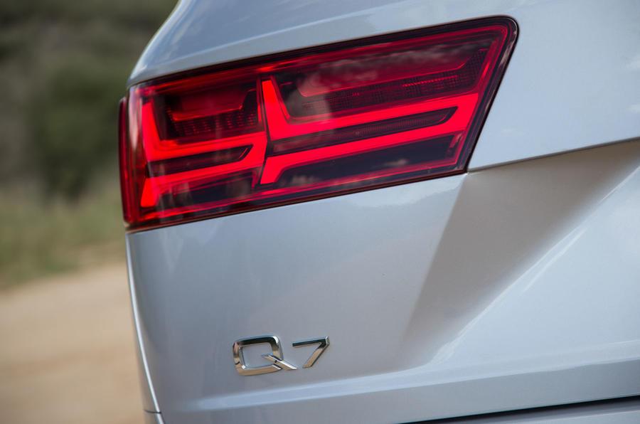 Audi Q7 rear lights