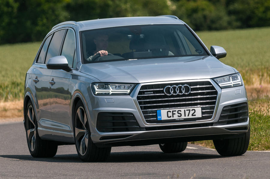 audi q7 hybrid used audi q7 for sale pricing features. Black Bedroom Furniture Sets. Home Design Ideas