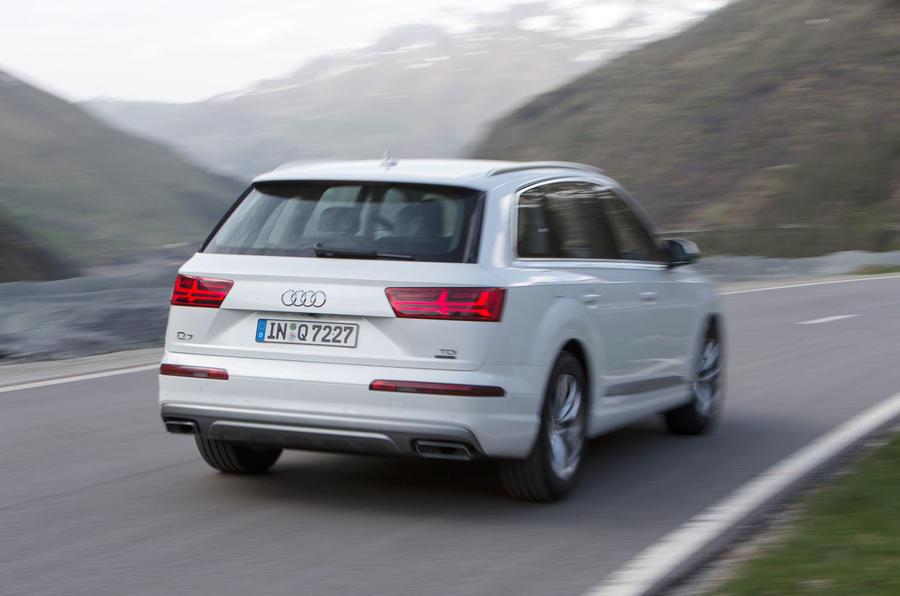 Audi Q7 rear