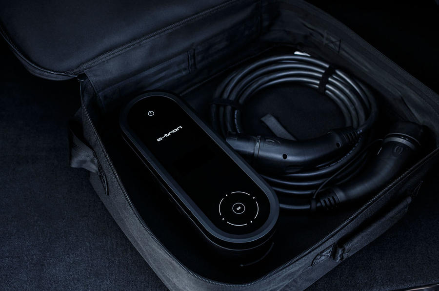 Audi Q7 e-tron charger