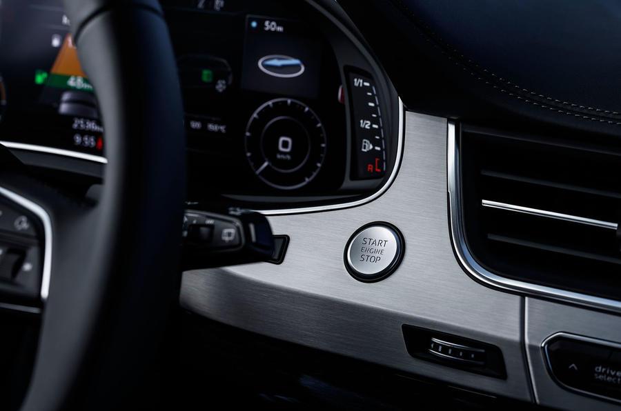 Audi Q7 e-tron ignition button